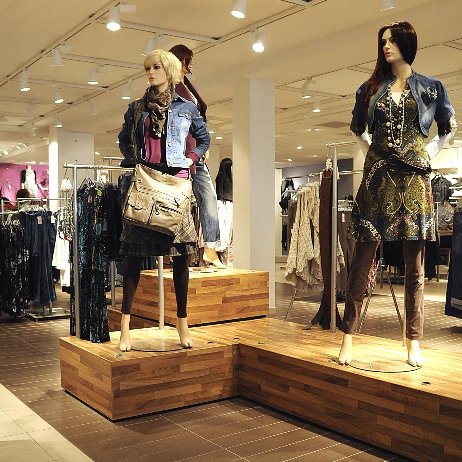 Miss Etam - 's-Hertogenbosch - winkelverbouw - Bouwbedrijf ...